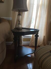 Pair of end tables Ashburn, 20147