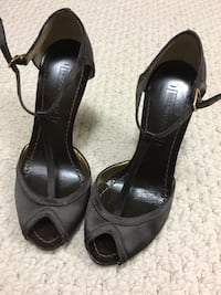 Size 5.5 brown satin and leather BCBG Maxazria Dress shoes