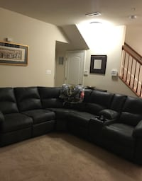 Moving and sectional must go!!! Hanover, 21076