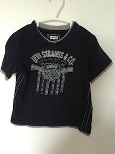black Levi Strauss and Co t-shirt