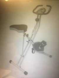 Folding magnetic bike with pulse barely used