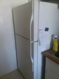 white top-mount refrigerator Covina, 91723