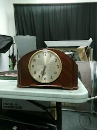 ANTIQUE MANTLE CLOCK MADE IN USA. CHIMS Anaheim