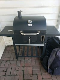 Bbq grill and smoker w/ full size waterproof cover