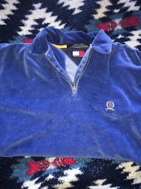 LARGE TOMMY HILFIGER SWEATER