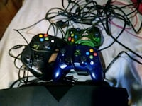 black Xbox 360 console with controllers Waukegan, 60087