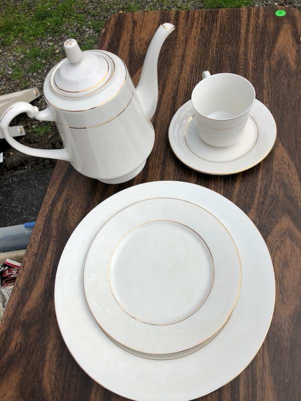Table setting for 8 with coffee or tea server.