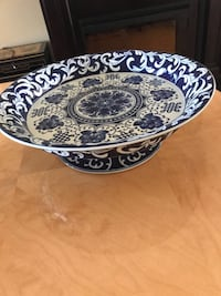 Round blue and white floral ceramic bowl Laval