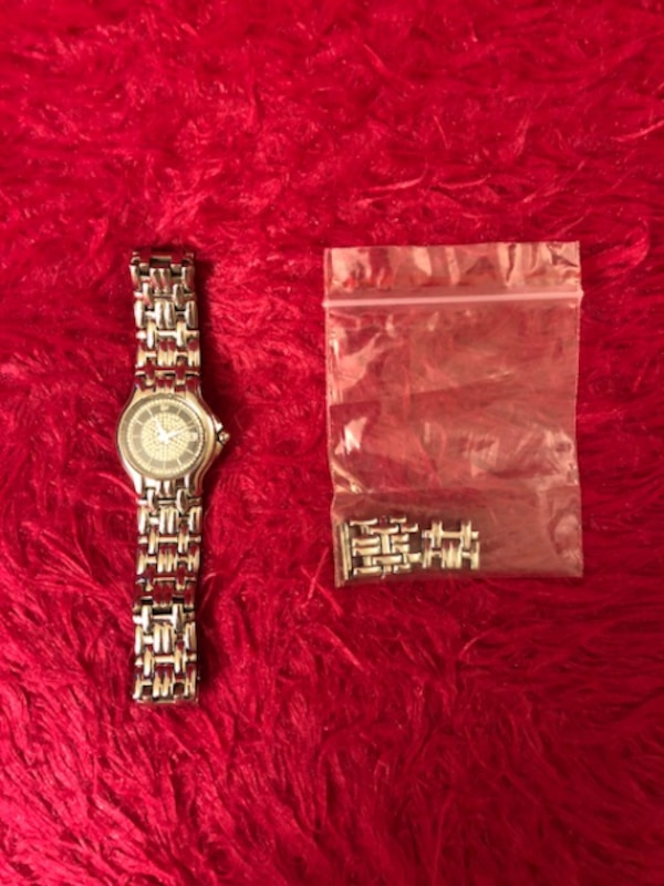 Raymond Weil Watch , excellent working condition , with original box . please contact if interested in it