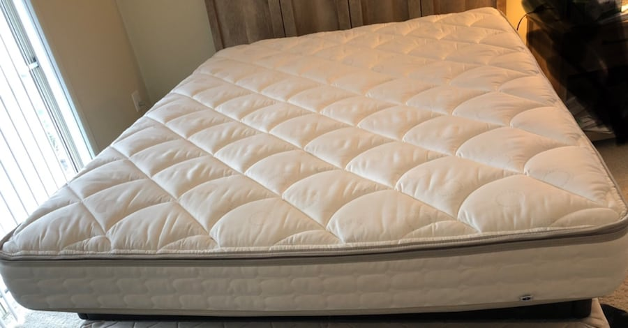 Sleep Number c3 series Queen bed 76d7333e-23ce-40aa-a3a1-0aa7de4c1784