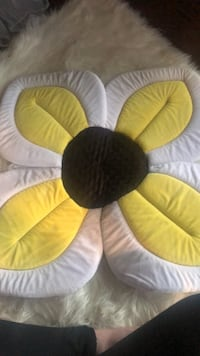 Blooming Bath Lotus bath cushion