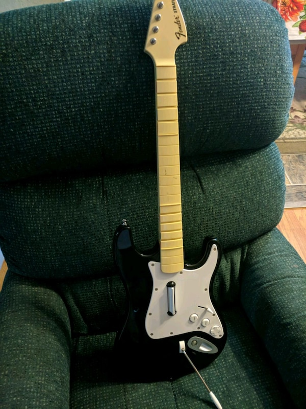 Xbox 360 Rock Band 2 Fender Stratocaster