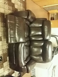 black leather recliner sofa chair Seattle, 98118