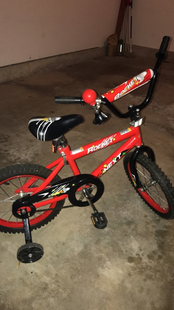 027c6c4a000 Used Toddler boy's red and white bike with optional training wheels for sale  in Vernon Hills - letgo