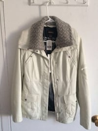 New real leather white jacket size X-small Montréal, H3H 2J4
