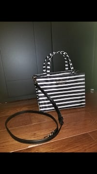 Kate Spade black and white striped leather tote bag Pickering, L1W 2R8