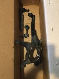 2014 Toyota Tundra LF steering knuckle , tie rod and link pin Lorton, 22079