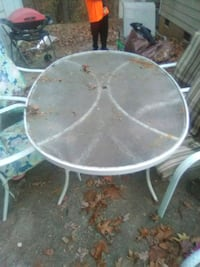 Outdoor 6x4 oval table with chairs
