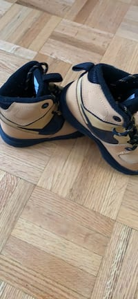 Boys shoes Mississauga, L4W 4A1