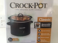 Unused 2 pound crock pot 49 km