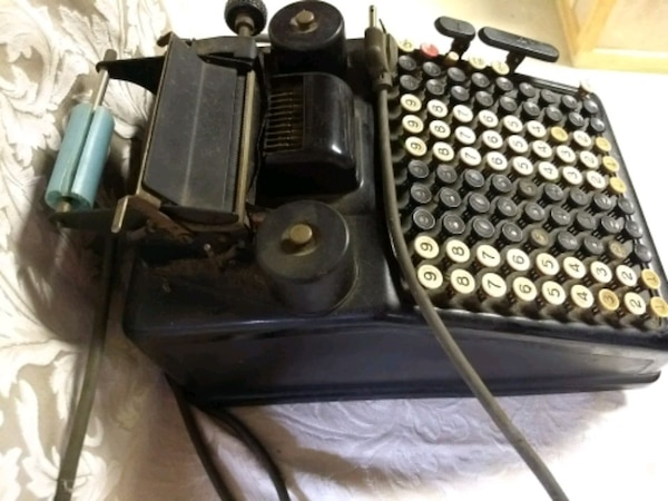 Antique Burroughs adding machine d9fe3224-0c20-4b7a-bbf3-bf4c5aa88416