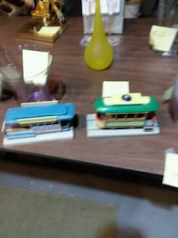 two green and blue street car models