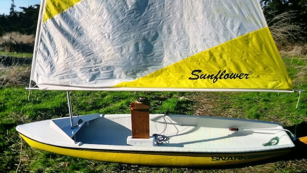 2016 snark sail boat$1600 new selling for 550