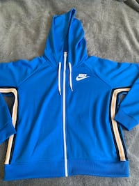 Brand new Nike jacket size L bought in the wrong size never worn  Des Moines, 50316