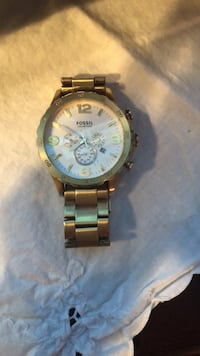 round gold-colored chronograph watch with link bracelet Mississauga, L4Y 2L3
