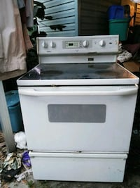 white and black range oven 799 mi