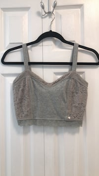 A&F gray lace crop top  3747 km