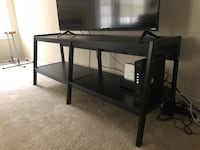 TV stand Woodbridge, 22192