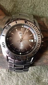 Men's roots watch water resistant stainless steel like new Surrey, V3T 1X1