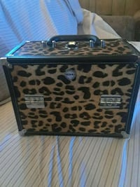 Leopard Make up box Isleton, 95632