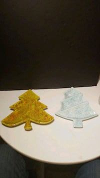 Two Christmas Tree Candy Dishes - Chip on Yellowis Waldorf, 20602
