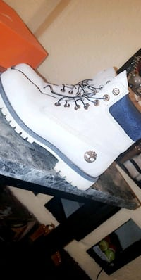 MENS TIMBERLANDS SIZE 9  Midwest City, 73110