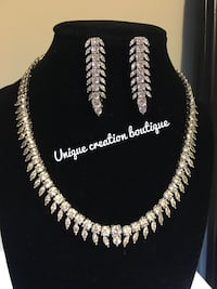 beautiful artificial diamond necklace with earrings perfect for christmas or new year gift  Edmonton, T6T 0M7