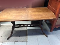 Antique coffee table Kirkland, H9H 5A9