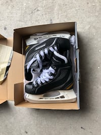 Boys Bauer skates size 1 brand new with box  Vaughan, L4H 1M4