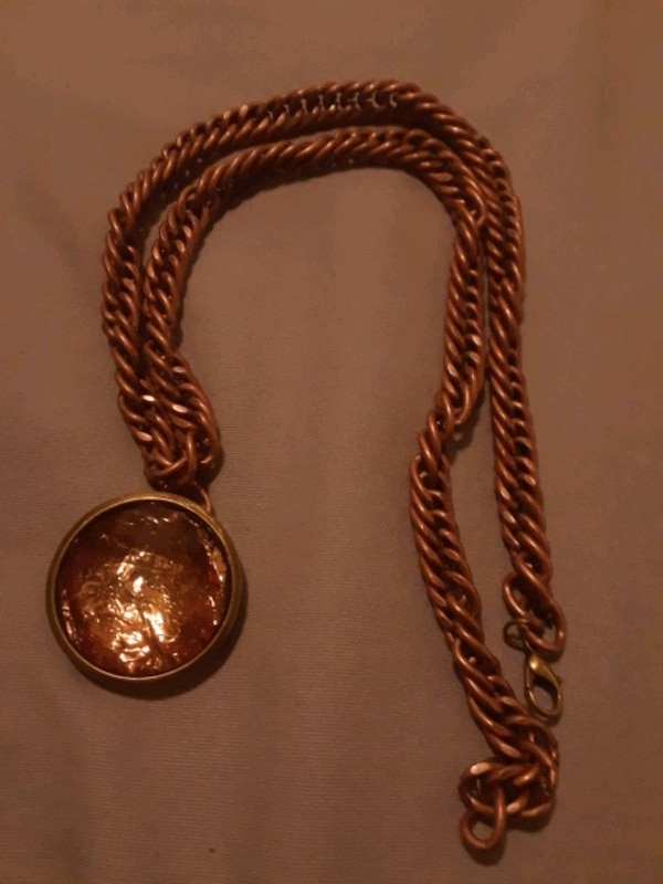 Copper chain with pendant