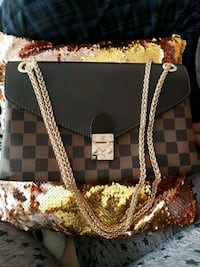 Brand new never been used Louis Vuitton purse  Surrey, V3W 0T5