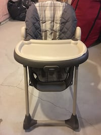 High chair/grey- pegprego Newmarket, L3X 0E2