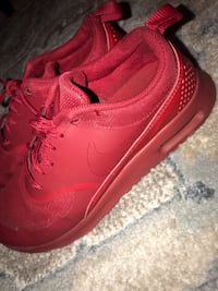 Women's red Nike shoes! Cypress, 77433