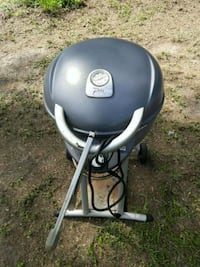 gray and black charcoal grill Dade City, 33523