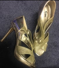 pair of brown leather open-toe heeled sandals 3117 km