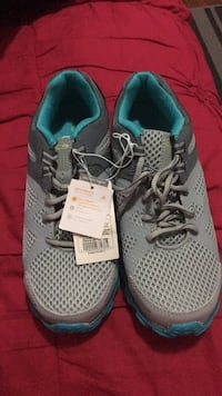 Women's running shoes size 7 Toronto, M9V 3C9