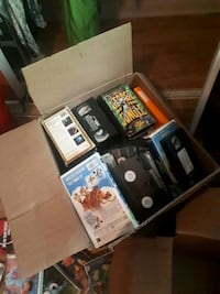 3 boxes of vhs and 2 boxes of books  Montréal, H4V 1X7