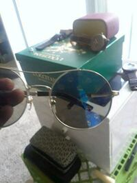 silver-colored framed Ray-Ban aviator sunglasses