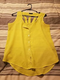 yellow sleeveless button up shirt 2084 mi