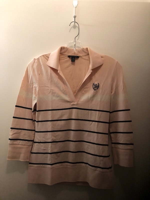 6c2ac45d5bff28 Used Lot of Tommy Hilfiger tips for women size small for sale in ...